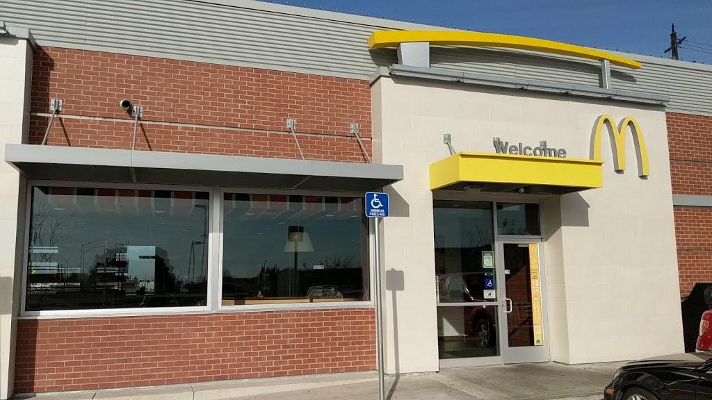 McDonalds - cafe  | Photo 3 of 10 | Address: 12801 East Stockton Street, Galt, CA 95632, USA | Phone: (209) 745-2197