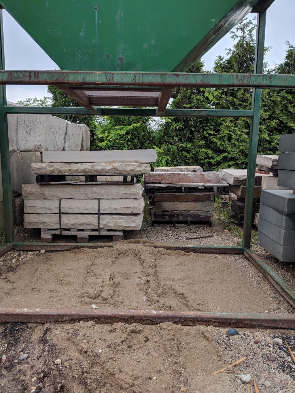 Lurvey Landscape Supply - store    Photo 1 of 10   Address: 30560 N Russell Dr, Volo, IL 60073, USA   Phone: (815) 363-4420
