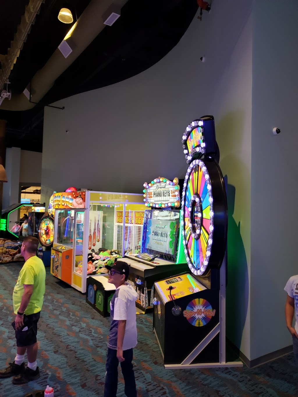Pla-Mor Family Entertainment Center - bowling alley  | Photo 3 of 10 | Address: 2819 NE Bob Bullock Loop, Laredo, TX 78045, USA | Phone: (956) 284-2628