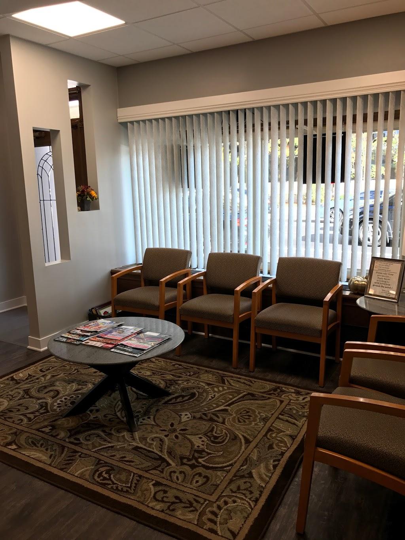 Apple Dental Associates LTD - dentist  | Photo 1 of 5 | Address: 712 Lee St, Des Plaines, IL 60016, USA | Phone: (847) 296-8111