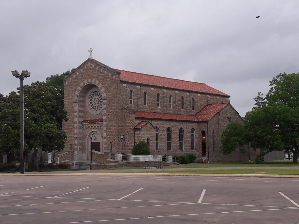 St Marys Church - church    Photo 9 of 10   Address: 816 Park Dr, La Porte, TX 77571, USA   Phone: (281) 471-2000