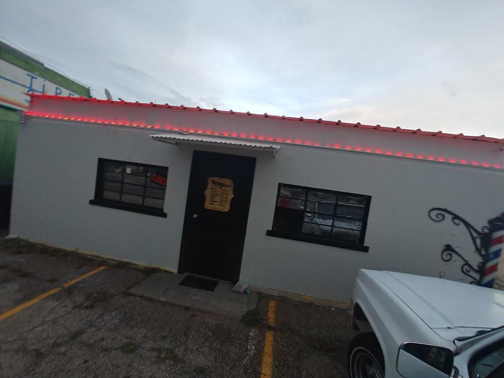 Gs Barbershop - hair care    Photo 2 of 4   Address: 1500B La Salle Ave, Waco, TX 76706, USA   Phone: (254) 489-6791