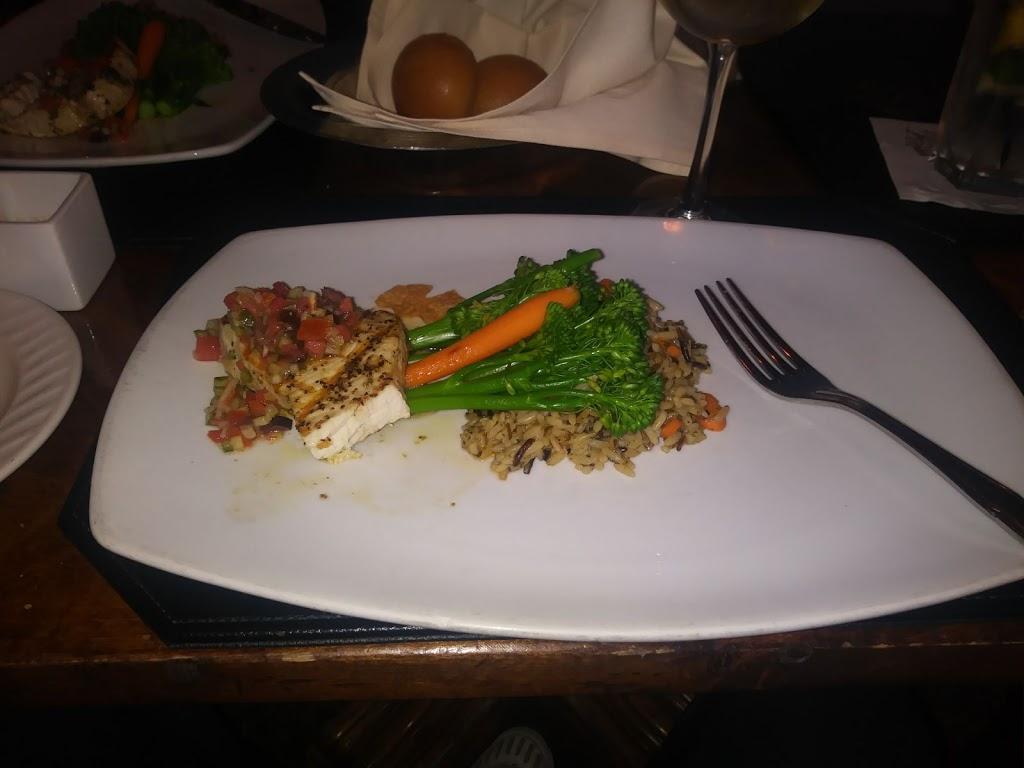 Golfers Lounge - restaurant  | Photo 4 of 6 | Address: 1 Trump National Dr, Rancho Palos Verdes, CA 90275, USA | Phone: (310) 303-3260